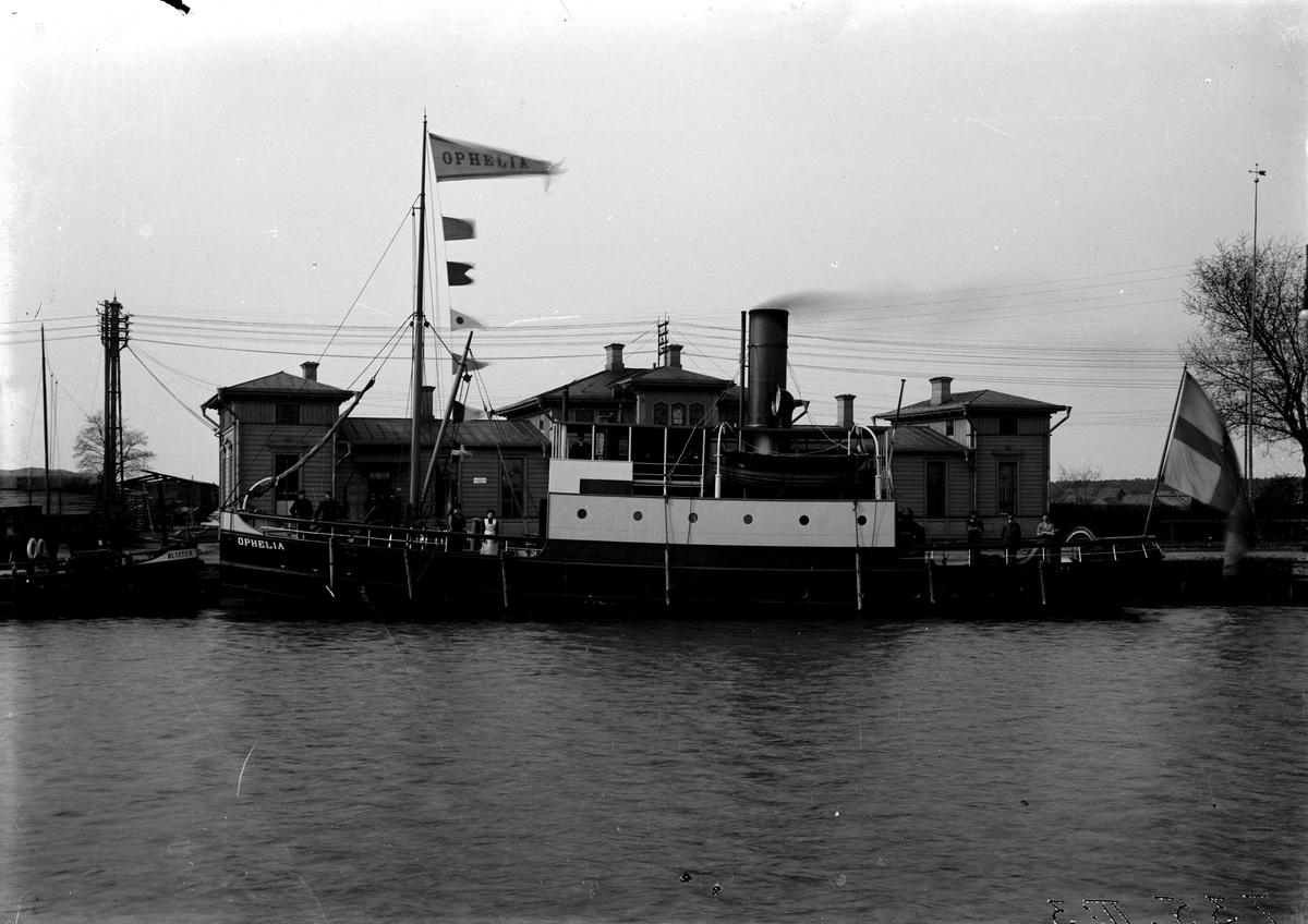 Båt s/s Ophelia 1900-1910. Fotograf P A Wassberg.