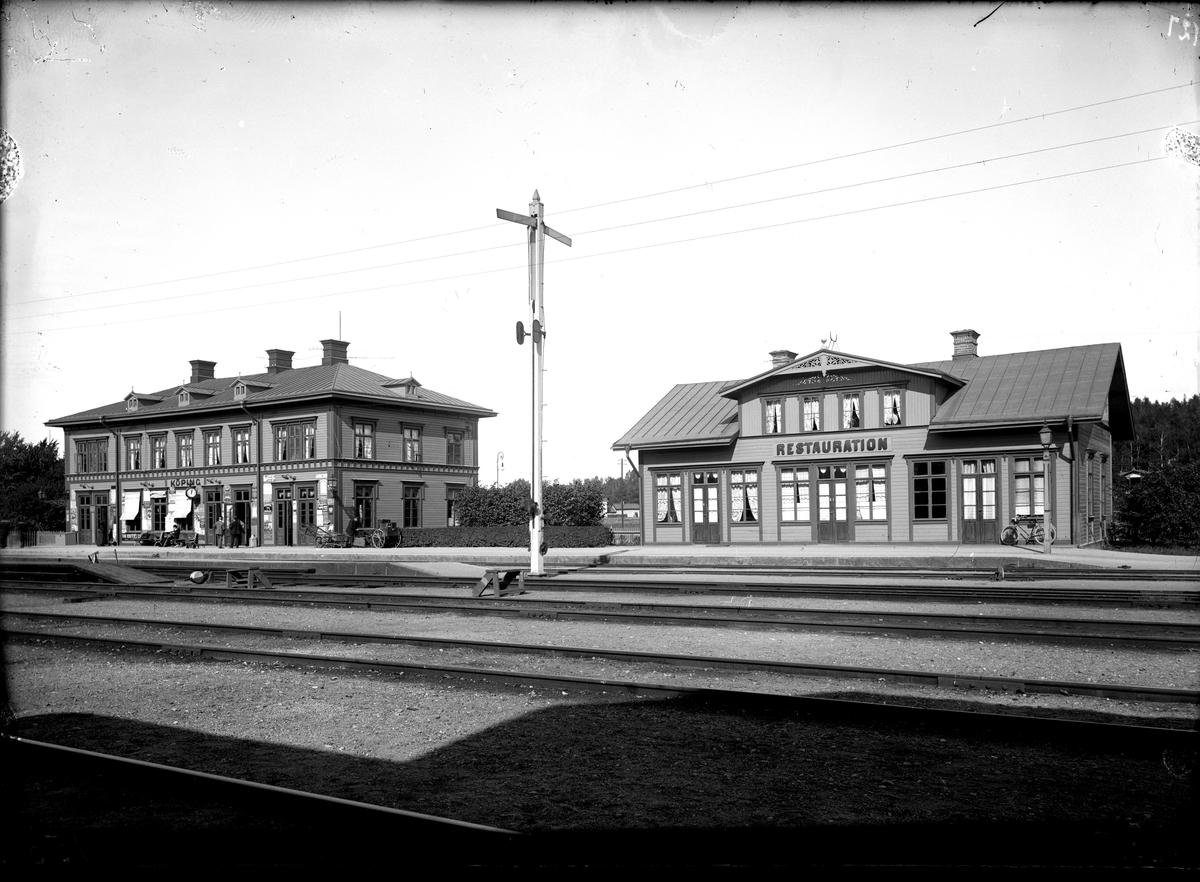 Järnvägsstationen med restaurang, 1907.