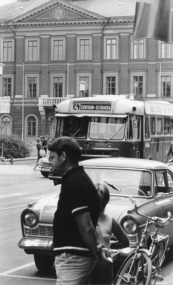 """Norra Kungsgatan och Rådhuset, Gävle. Från utställningen """"Gävlar i stan"""" på Gävle Museum 1967."""