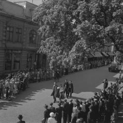 Barnens Dag, 31/5 1946.Kortégen med några läroverkspojkar i