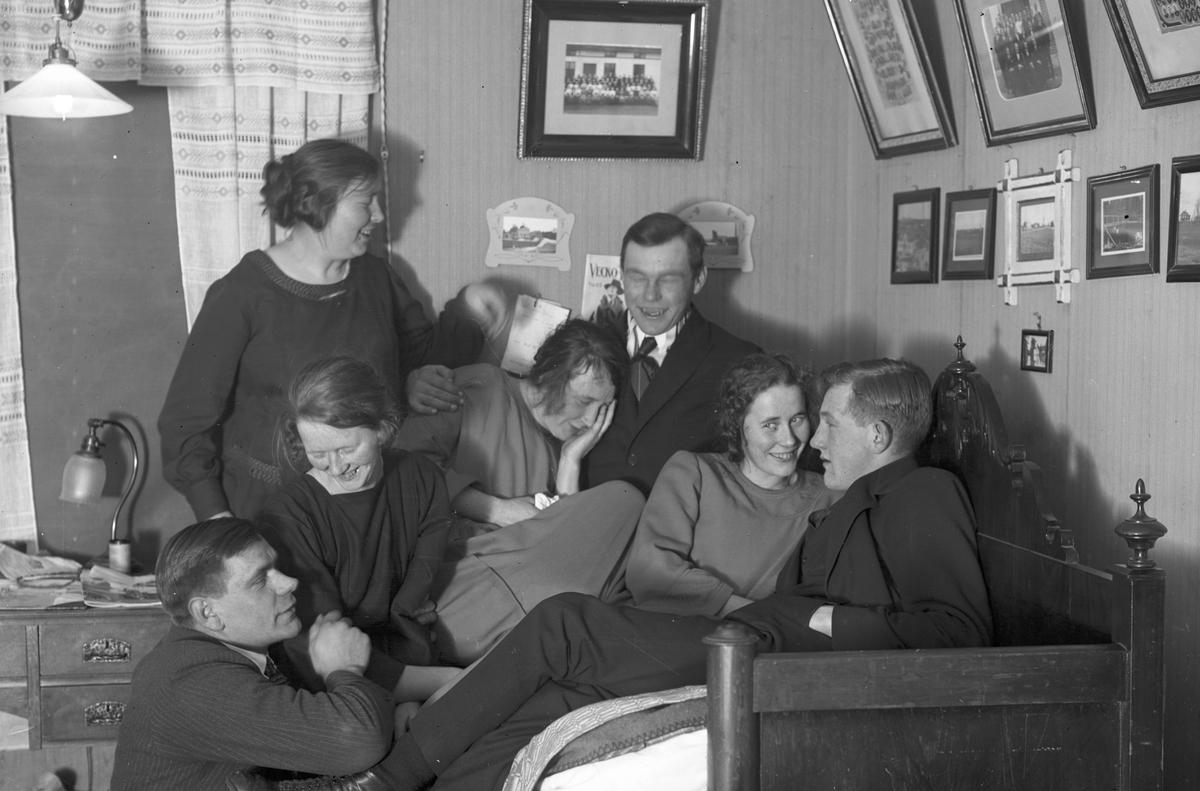 Till vänster Josef Eriksson på knä och Gustav Englund främst till höger