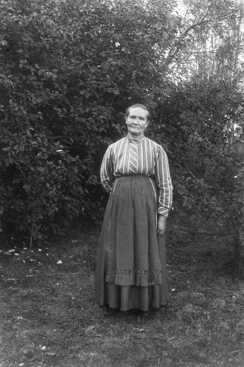 """""""Wigg-faster"""" Brita Olsson från Sörombergen. Hon var svägerska till skräddare Söderberg."""