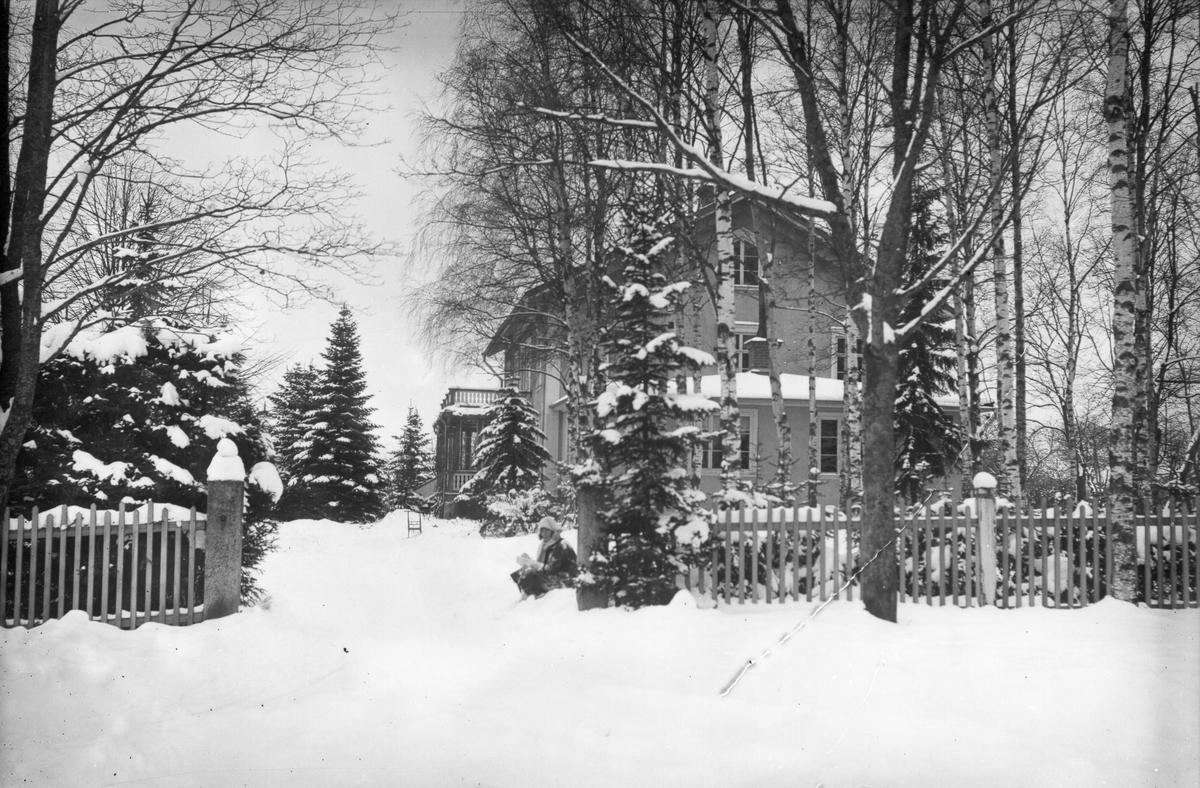 Huvudbyggnaden på Lenninge herrgård.