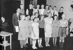 Ljusnan skolklass sjunger, taget i Gävle Radio Studio. Juni