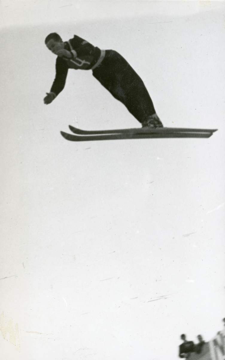 Athlete Asbjørn Ruud in action