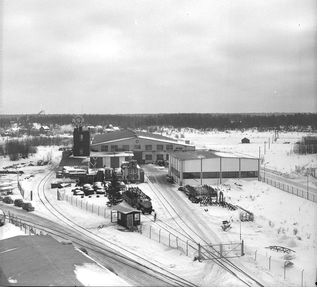Flygbild över fabriksområdet, den 6 februari 1960 Swendsén & Wikström Värmepannefabrik på Brynäs, köptes 1955 upp av Svenska Järnvägsverkstad och fick namnet ASJ-PARCA.