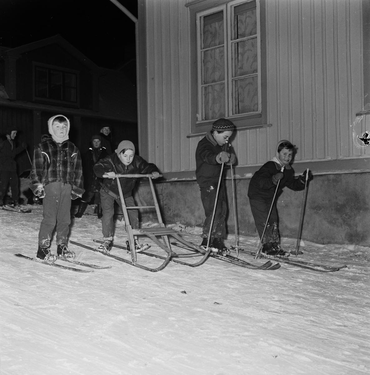 Ungerska flyktingar, Öregrund, Uppland 1956