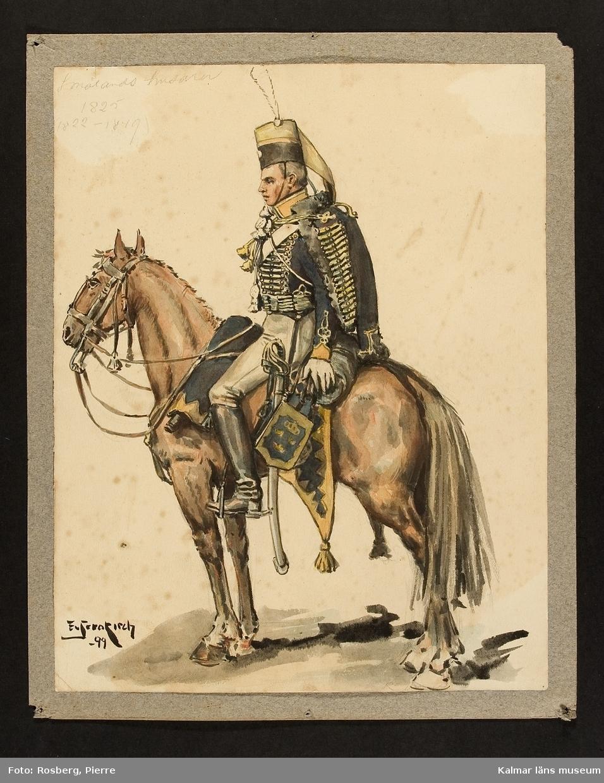 Militär ryttare i uniform, till häst. Ryttare och häst ses från sidan.