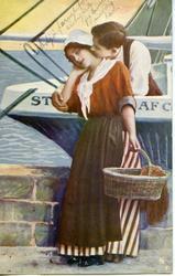 Romantisk postkort mann og kvinne på havna.