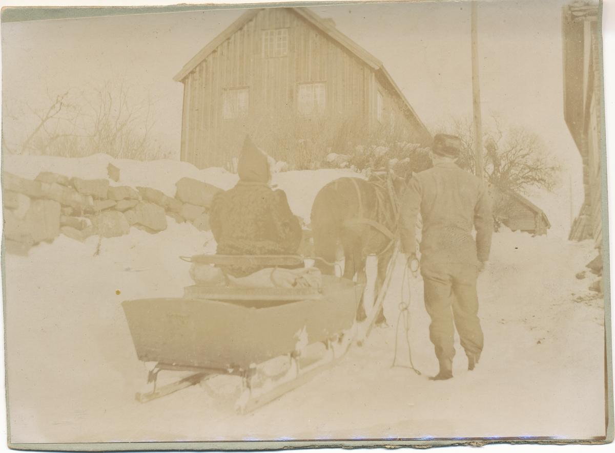 Hest og slede på Syverstad gård