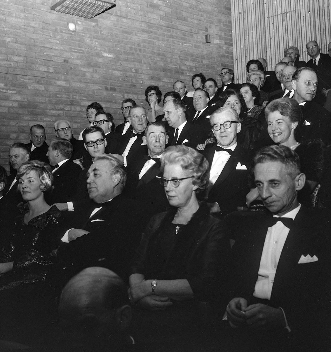 Sagatun kino, Hamar. Åpningsdagen 05.01.1968. Inviterte gjester.