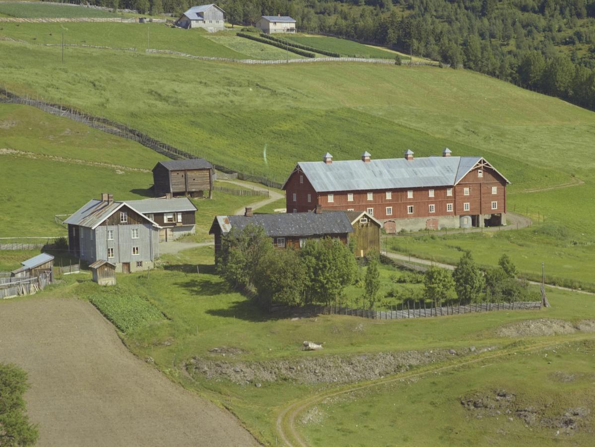 Solberg (Solbjør) søre, gårdsbruk, flere gamle bygninger, Bødalen, Vestre Gausdal