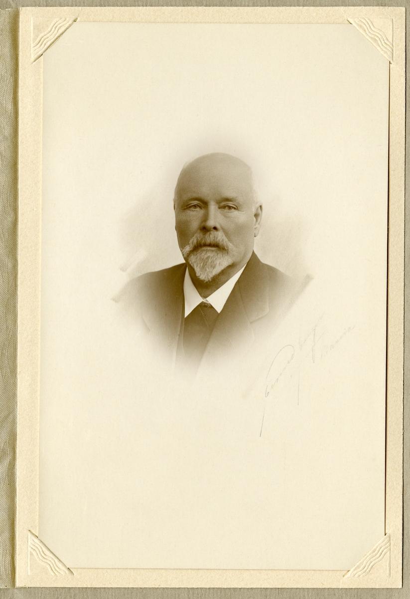 O.K Ødegård.
