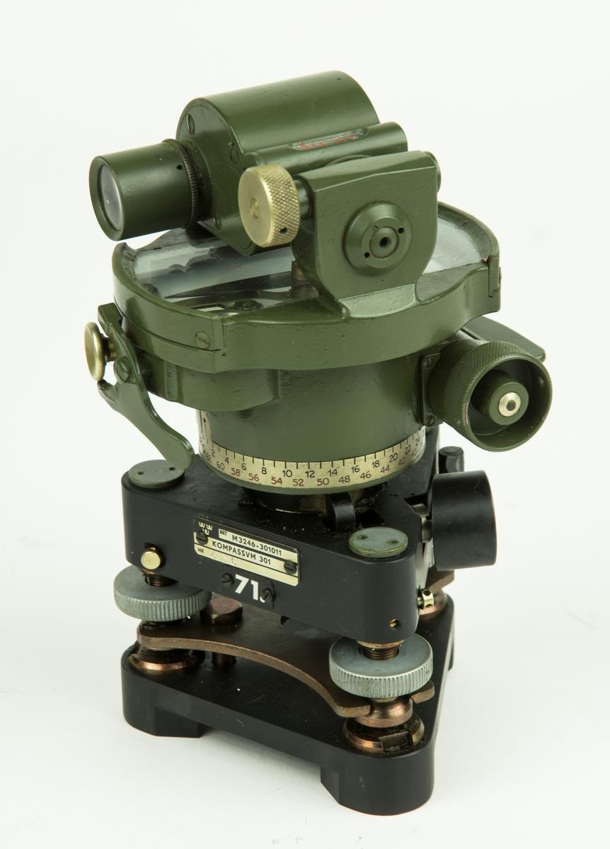 Kompassvinkelmätare 301 MT. Förvatas i låda med tillbehör.