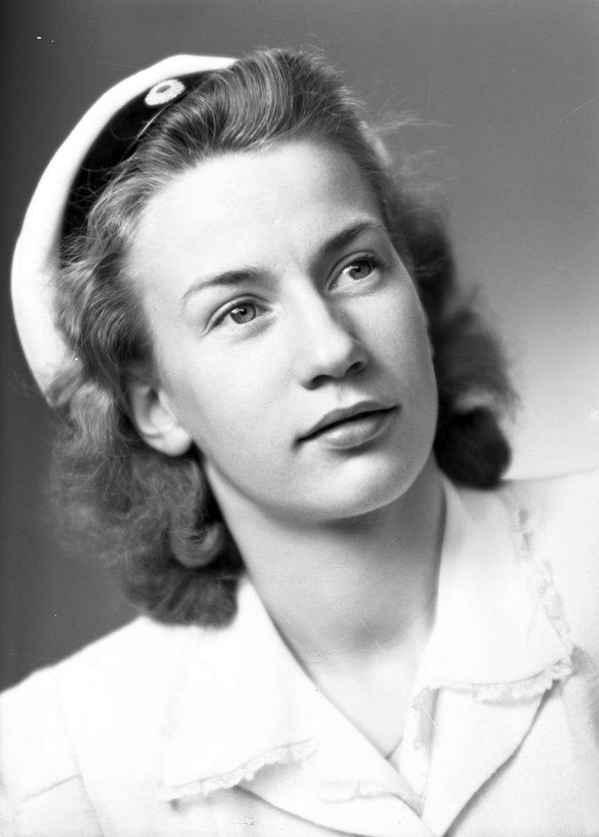 Kandidat Falquist, Kaserngatan 60, Gävle. 15 maj 1945.