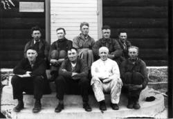 Arbeidarar ved restaurering av Skjåk kyrkje 1938