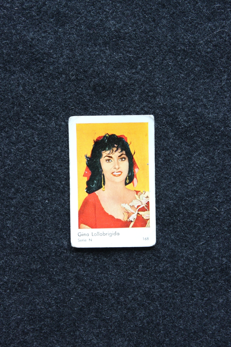 Filmstjärnebild  med foto föreställande Gina Lollobrigida