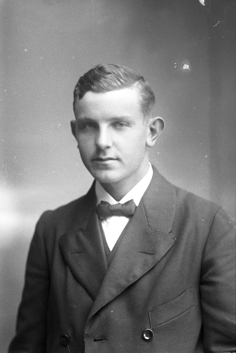 Karl Bäckvall, Hilleboda, Tobo