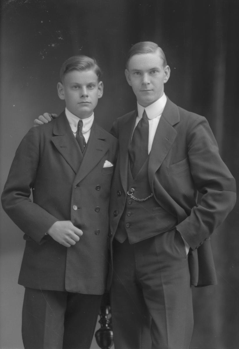 Ludvig och Erik Moberg, Korsnäsgatan 26, Gävle