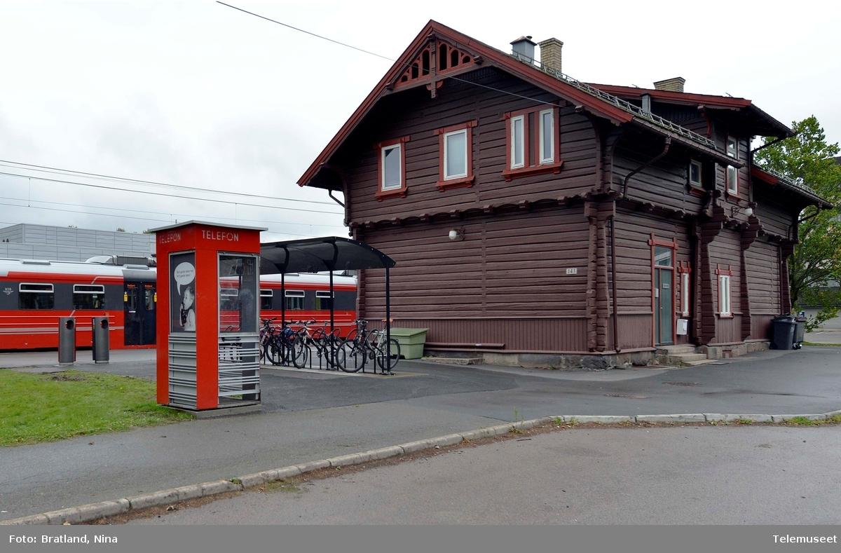 Kjelsåskiosken ved Telemuseet på Kjelsås jernbanestasjon