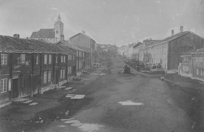 Bergmannsgata på Røros ca. 1865. Foto/Photo