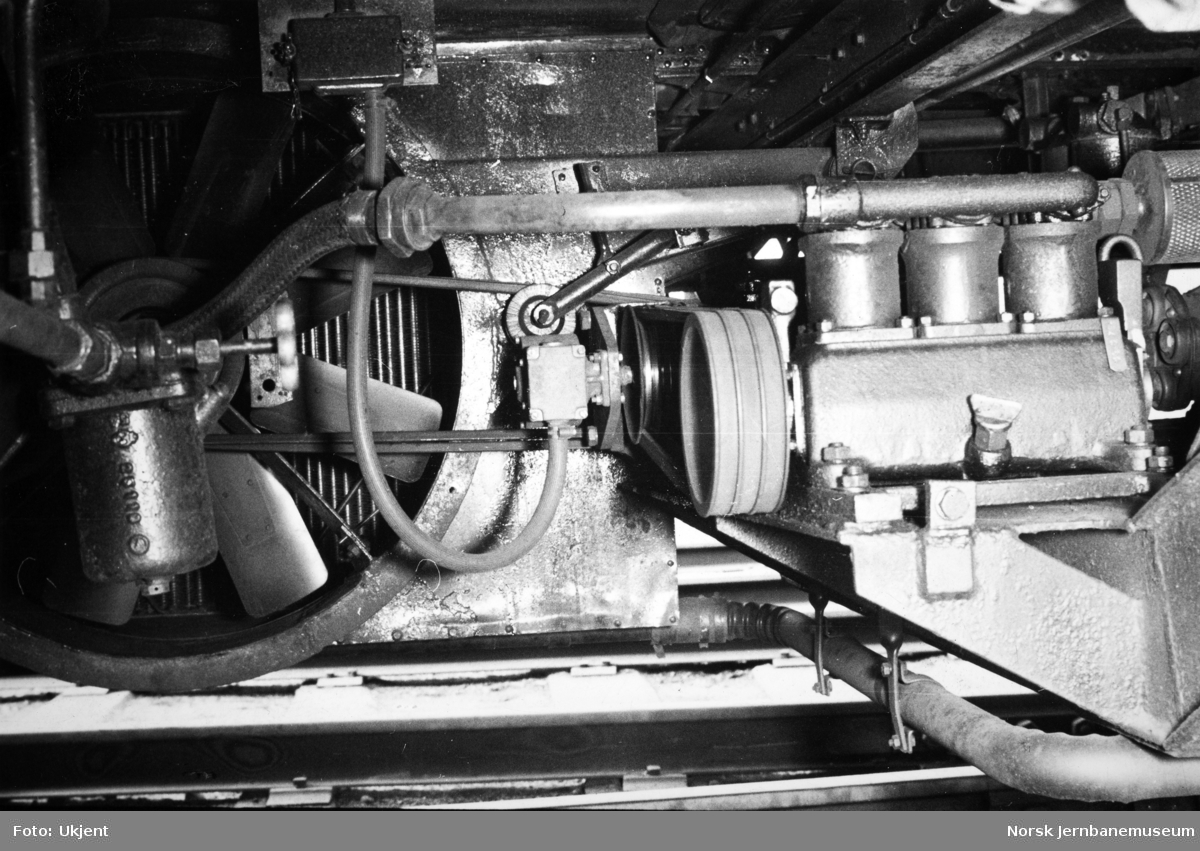Motorvogn type 86 og 91 - Rolls Royse-motor, drift av kjølevifte