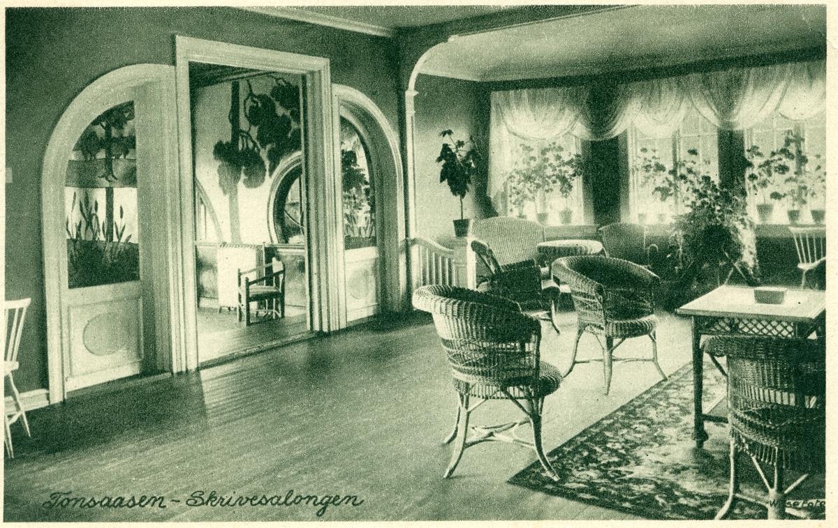 Interiør fra Tonsåsen sanatorium. Skrivesalongen.