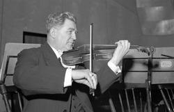 Orkesterföreningen. 30-årsjubileum. Den 26 Februari 1942
