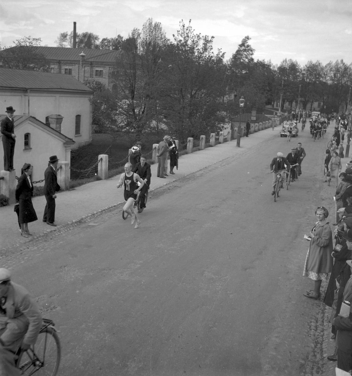 Reportage för Gefle-Posten. Stafett. Gävle runt. 1936