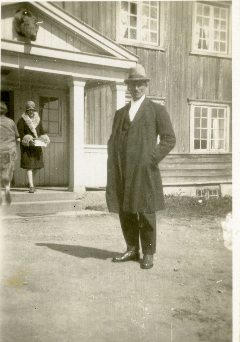Olaus Islandsmoen og Ada Storheim i Augedal, Brandbu, 1928.