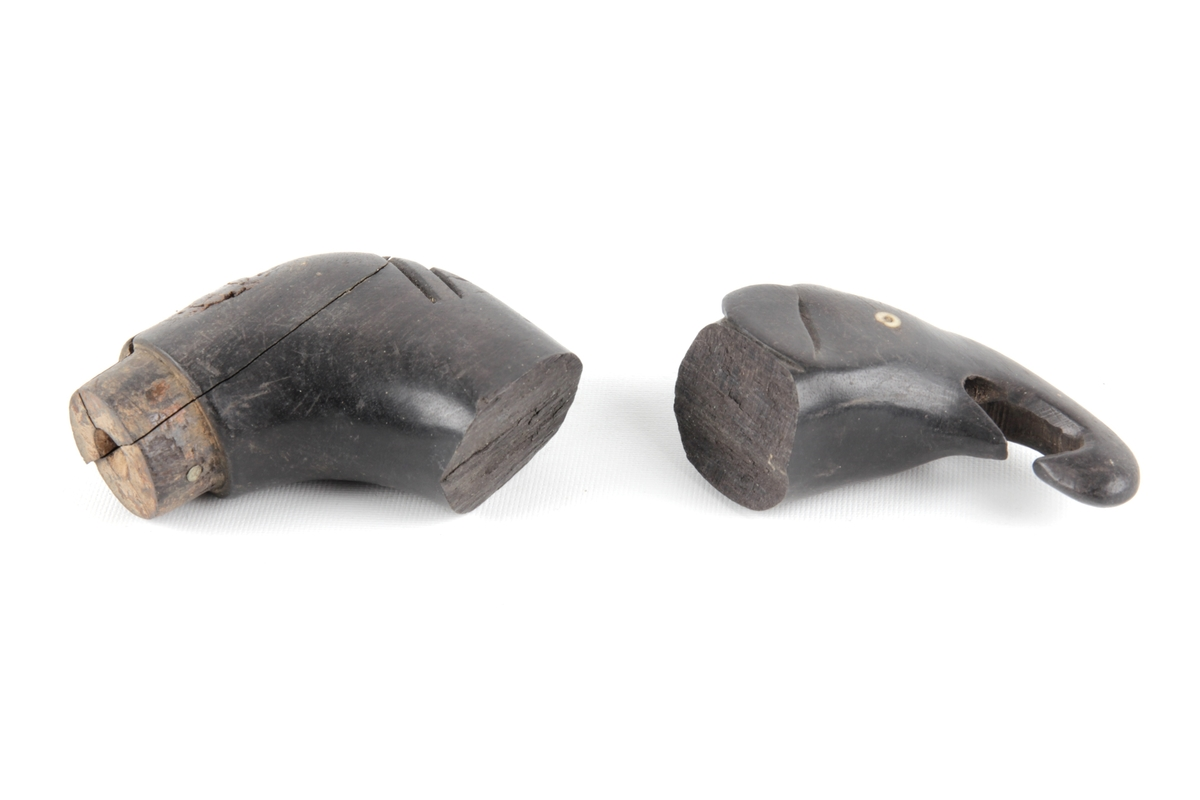 Håndtak til spaserstokk. Håndtaket er utformet som et elefanthode.