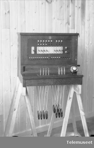 Veggsnorveksler PBX, Wertfal Larsen, Elektrisk Bureau.