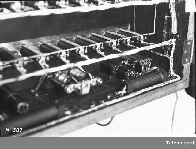 Telefonsentral, magneto proppfelt 60 nr. 6.12.12. Grand Hotel. Elektrisk Bureau.