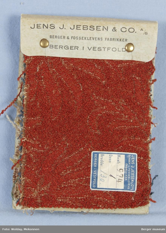 Akantus med blomst (spisse kronblader) Møbelstoff. Prøveboka har 7 prøver.