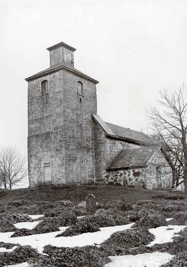 Gösslunda sn. Kyrkan, exteriör från väster.
