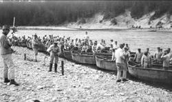Ing 2, broslagningsövningar vid Göta älv med lätt krigsbro (