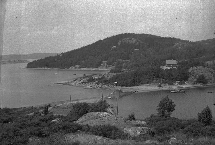 """Enligt Bengt Lundins noteringar: """"Ulvesund. Bron till Ulvön. Foto BL 1797""""."""