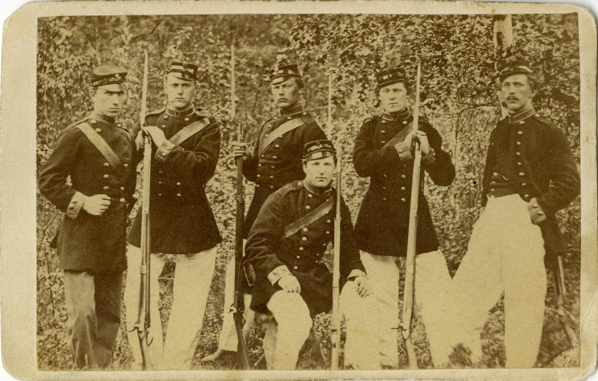 Grupporträtt av soldater vid Västernorrlands beväringsbataljon. För namn, se bild nr. 2.