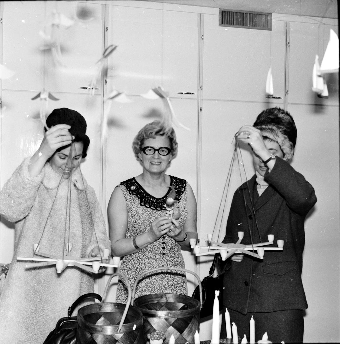 Arbrå, Röda Korsets försäljning, December 1968