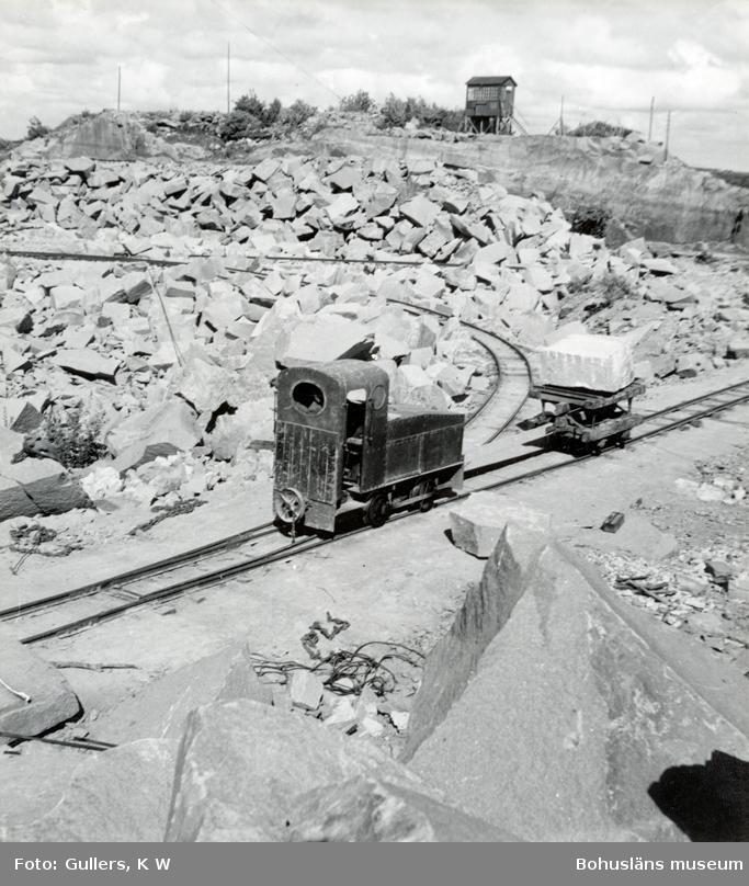 Räls och transportanordningar på stenbrottsområde