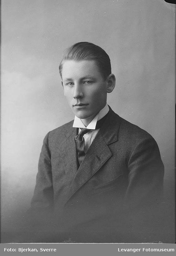 Portrett av Einar Saleshaug.