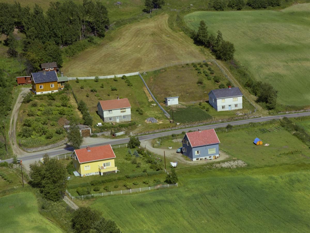 Sør-Fron, Hundorp, Boligeiendommer i Stokkjordet 31-39