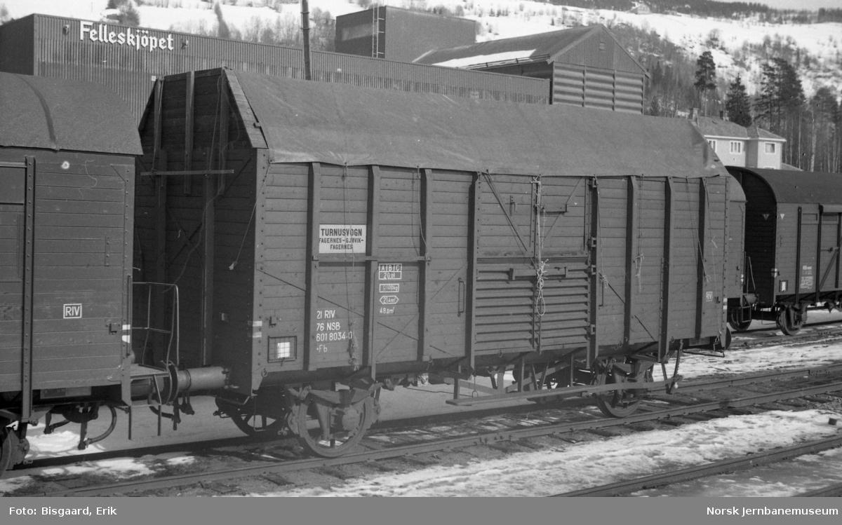 Flisvogn litra Fb nr. 601 8034 på Fagernes stasjon