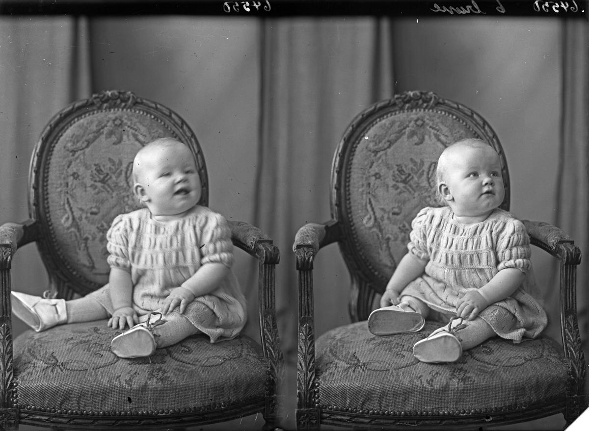 Portrett. Lite barn.  Bestilt av Hr. Vestvik. Ølensgt. 67