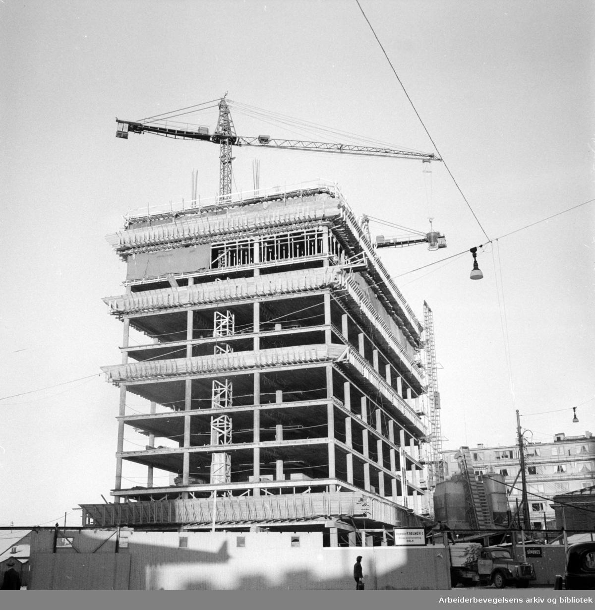 Sørkedalsveien. Elementbygg på Majorstua. Desember 1956