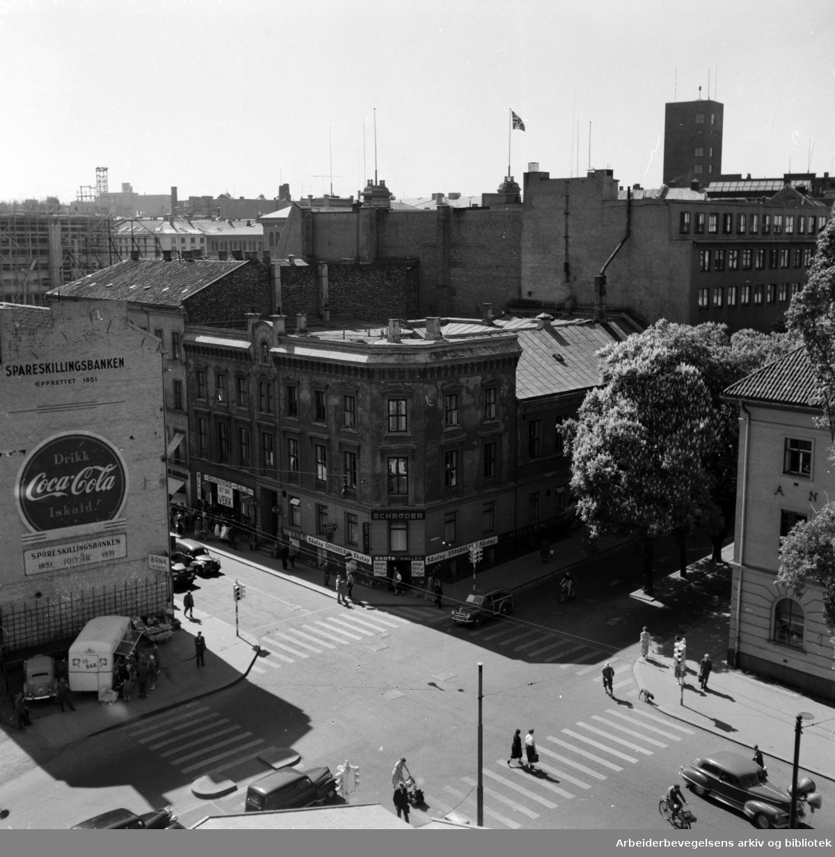 Torggata 14. (Gamle Oslo Arbeidersamfund) skal rives høsten 1954. Juni 1954