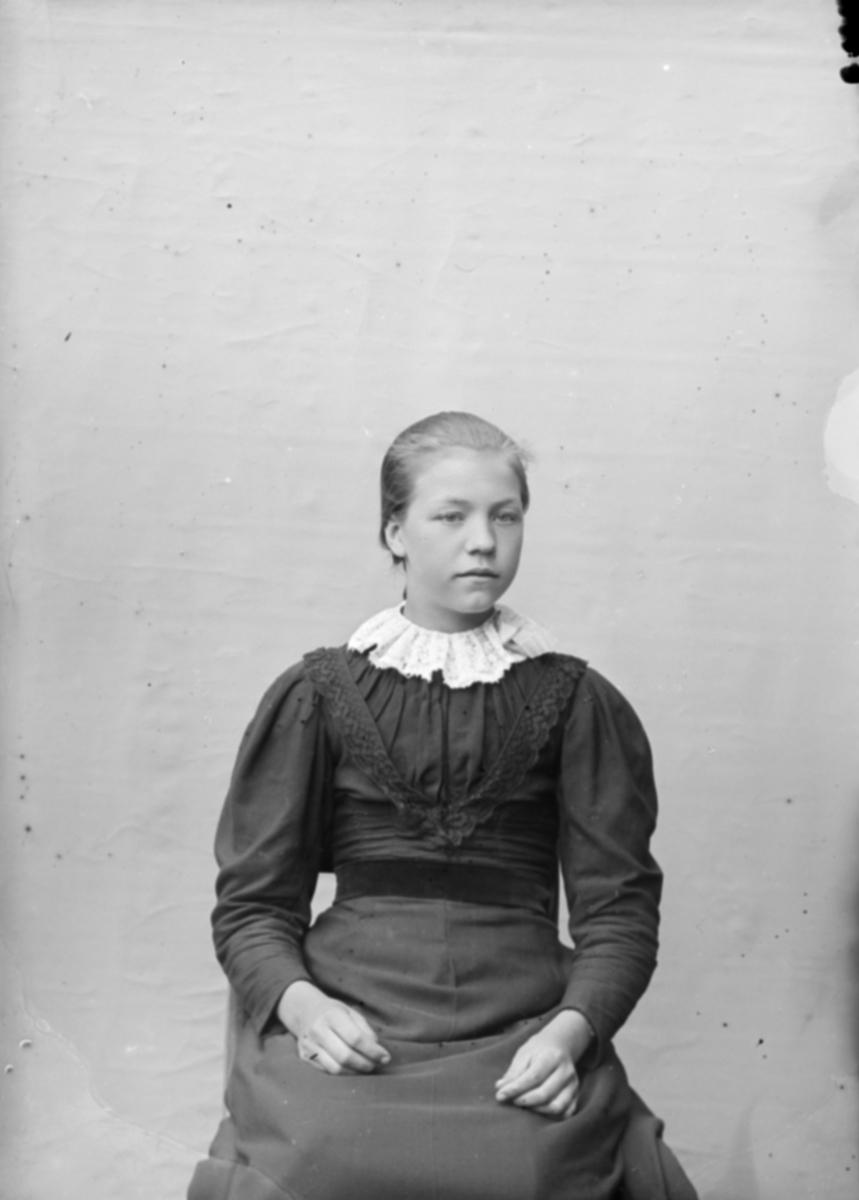 Portrett av Mari Sigstadvolden, Nord-Fron