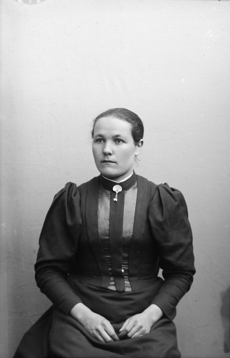 Portrett av Mari J. Engum