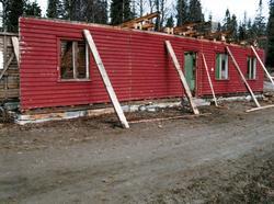 Riving av Smalåsen ekspedisjonsbygning for flytting til Nors