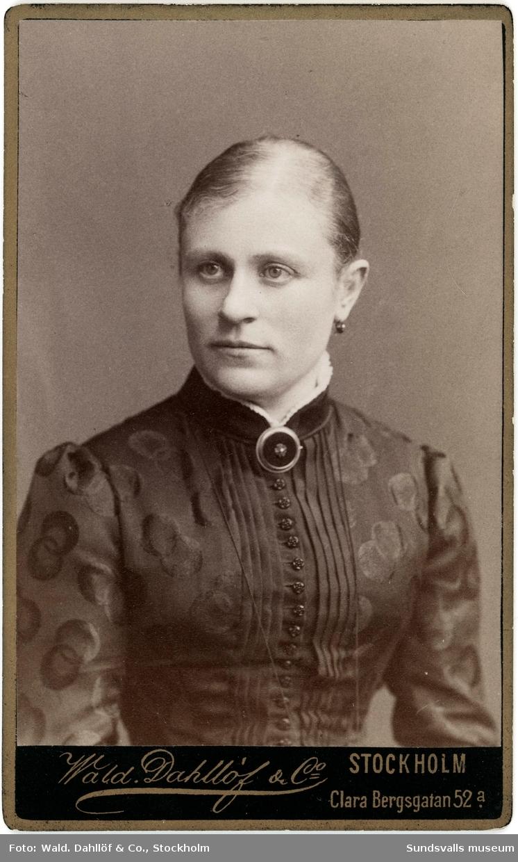 Porträtt på Maria Hedberg og Axling, maka till grosshandlare och sågverksägare Johan August Hedberg.